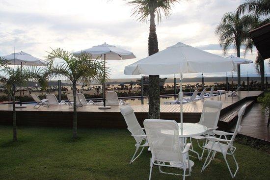 Ponta das Canas, SC : zona de piscina, espacios en común.