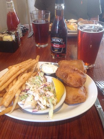 "29 Palms Inn: Delicious ""Fish & Chips""."
