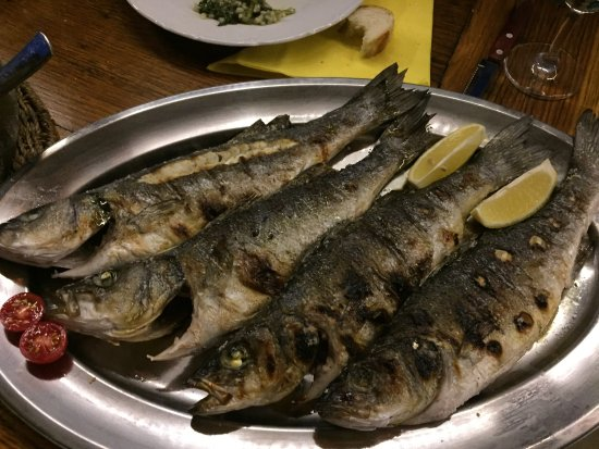 Стоморска, Хорватия: grilled fish