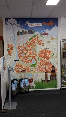 VVV Zutphen (tourist information): big map of Zuthpen on the wall