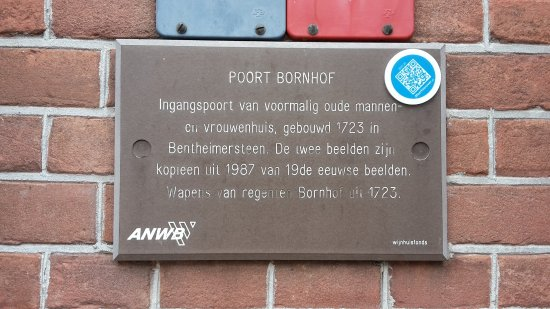 Oude Bornhof (+ Poort Bornhof): tourist information on the Bornhof Gate