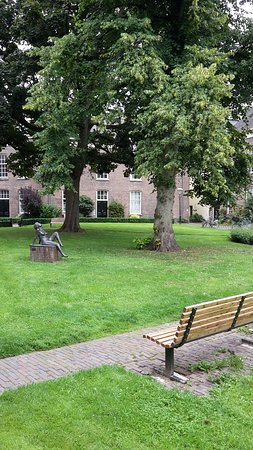 Zutphen, The Netherlands: statue and bench