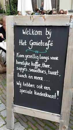 Oude Bornhof (+ Poort Bornhof): welcome sign to the 'Enjoyment Café' (Het Genietcafé)