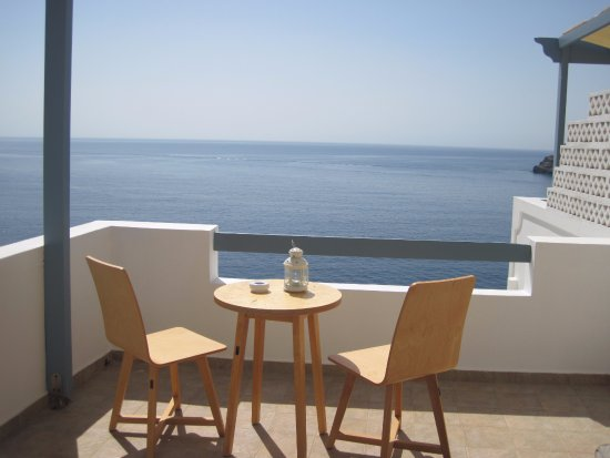 Chrysalis Boutique Hotel: το μπαλκόνι με θέα το πέλαγος