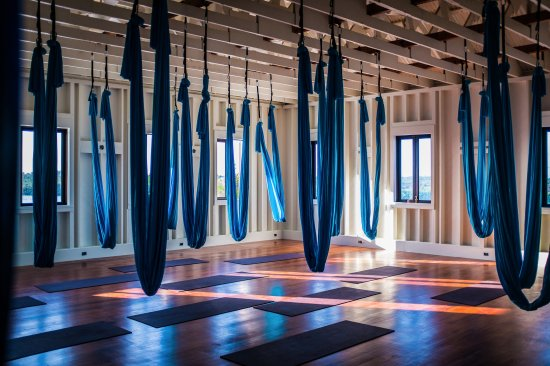 Сан-Педро, Белиз: Aerial Yoga Studio with Santa Maria Belizean Hardwood Floors, 12 foot lofted ceilings, 34 Mats