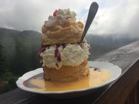 Gasthaus Cafe Graflhoehe Windbeutelbaron : der schmeckt bei jedem Wetter