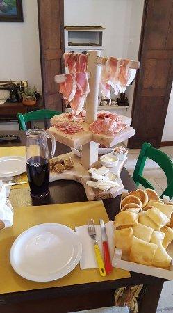 Montese, Italy: getlstd_property_photo