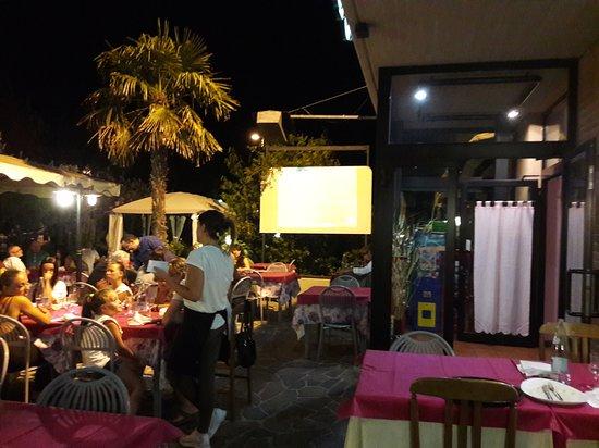 Moie di Maiolati, Italië: Pizzeria Ristorante Pick Up