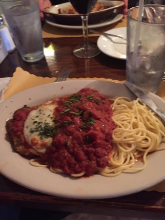 DaVinci's By The Sea: Chicken Parmesan was EXCELLENT!!!!!