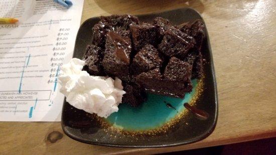 Dunraven Inn : Chocolate avalanche cake