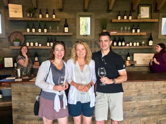 McMinnville, OR: A Vineyard Wine Tour