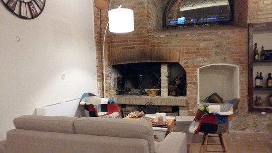 Fabro, Italia: 20170813_204040_large.jpg
