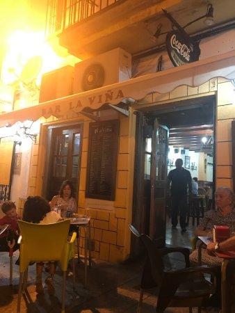 Restaurante bar la vina en ronda con cocina tapas - Bares en ronda ...