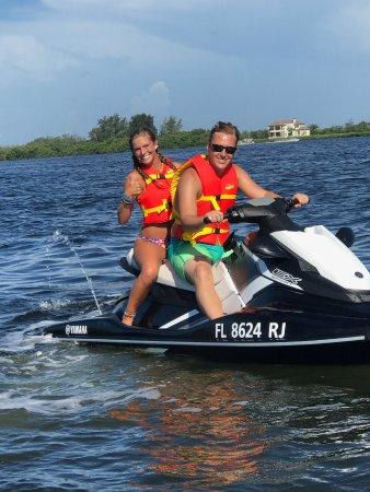 Bradenton Beach, فلوريدا: Jet ski on Palma Sola Bay