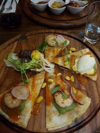 Henderson, Nova Zelândia: Prawn and pork dish