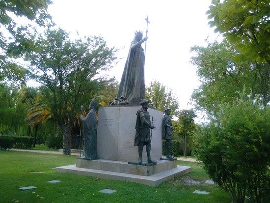 Navalcarnero, España: Monumento Isabel la Católica