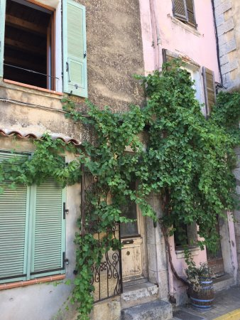Besse-sur-Issole, Francia: Besse sur Issole...