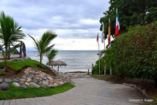 The Royal Suites Punta de Mita: Headed to the ocean