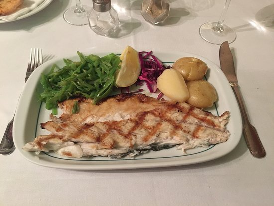 Paco de Arcos, Πορτογαλία: Leckere Fischgerichte, ganz frisch