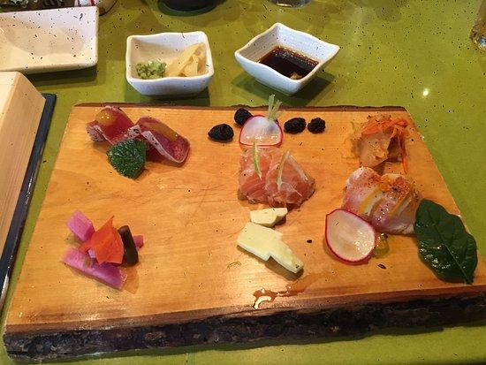 Tona : Sashimi Plate