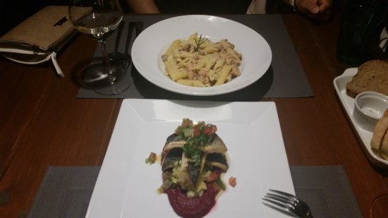Kaliviani, Yunani: Mama's Dinner Restaurant