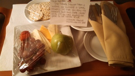 Teaneck Marriott at Glenpointe: Thoughtful Management! So nice to feel we are people not just guests.... Thank You!
