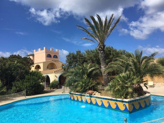 Hotel Luci Del Faro : Piscine de l'hôtel