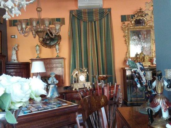 Mobili Di Lusso Veneto : Negozio di lusso antiquariato e mobili al parco urbano termale