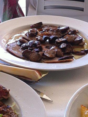 Testana, อิตาลี: Arrosto con porcini