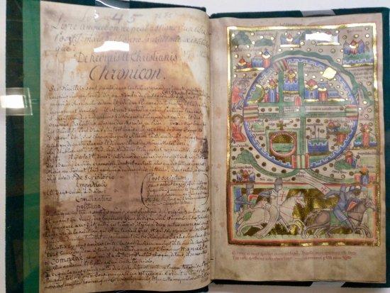 Понферрада, Испания: Book exhibited at the Templar Library.