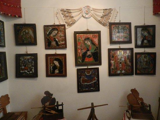 Sibiel, Romania: Una parete di icone di diversi periodi