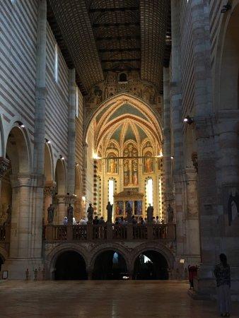 Basilica di San Zeno Maggiore: photo5.jpg