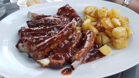 None, Италия: ribs con salsa barbecue