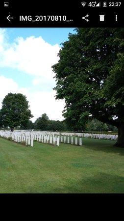 British War Cemetery: Screenshot_20170811-223733_large.jpg