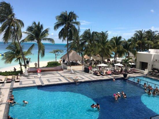 Pool - Dreams Sands Cancun Resort & Spa Photo
