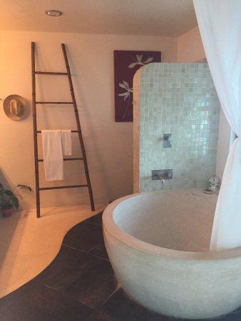 Mezzanine Colibri Boutique Hotel: Suite 10 bathroom