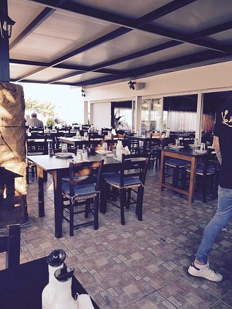 Tavern Konia: Tαβέρνα Kονία