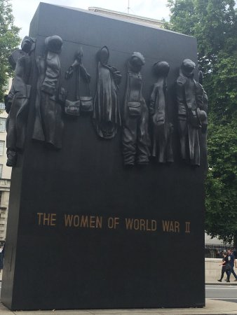 women of world war 2 The second world war was documented on a huge scale by thousands of photographers and artists who created millions of pictures american military photographers representing all of the armed services covered the battlefronts around the world.