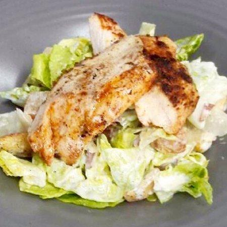 Kinvara, Ireland: Cajun Chicken Caesar Salad