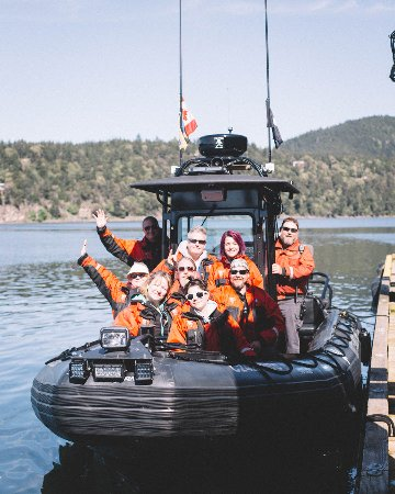 White Rock, Canadá: A crew from a recent Whale Watching Adventure!