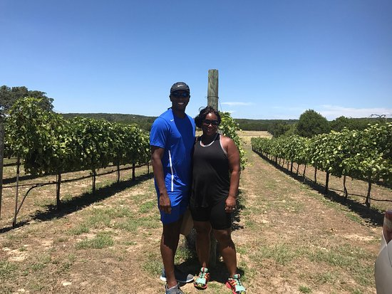 Wimberley, TX : We totally enjoyed Bella Vista Ranch. Go see them and enjoy their olive oils, vinegars and wines