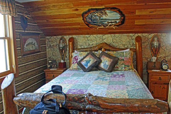 The Log House Lodge: Portion of the High Sierra Room