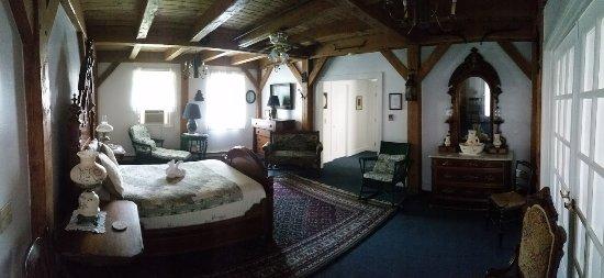 Haan's 1830 Inn : Cass Suite