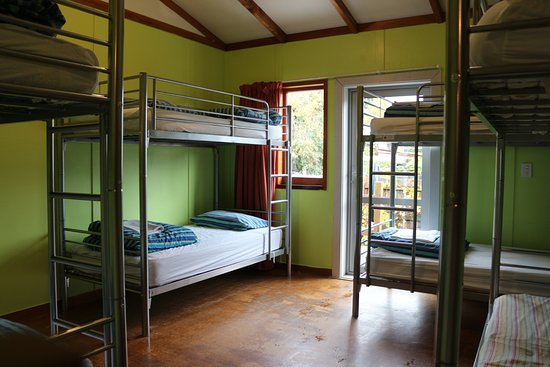 Matterhorn South Lodge and Backpackers: 8 Bed MIXED dorm in backpackers BRAND NEW BEDS and Painted DORMS May2017