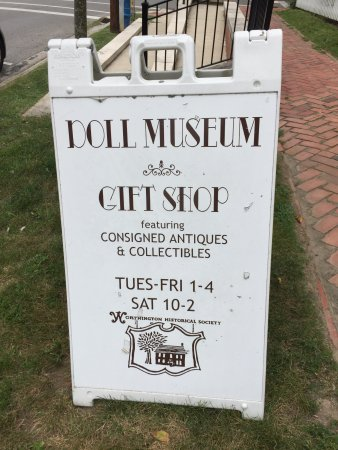 Worthington, OH: Doll Museum too