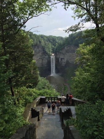 Trumansburg, NY: Taughannock Falls overlook