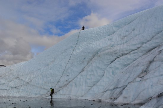 Glacier View, AK: Nick and Emily, setting up