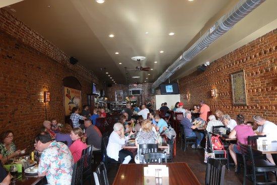 Holly, MI: Main dining area