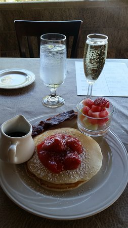 Cafe Champagne: Brunch