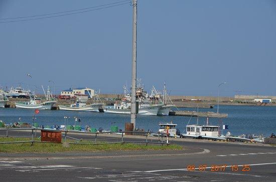 Monbetsu, Japan: Facing the harbour